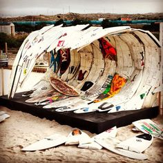 this surf art installation is awesome! this surf art installation is awesome! this surf art installa Kite Surf, Sup Surf, Surf Art, Surfboard Art, Skateboard Art, Kitesurfing, Vw Vintage, Joan Mitchell, Water Photography