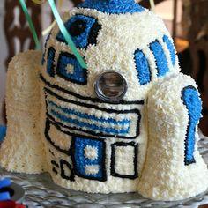 A Little Loveliness: R2-D2 Cake