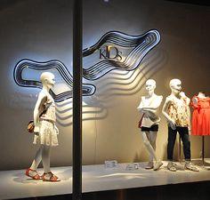 Zara window displays, Budapest visual merchandising