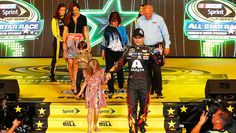 Jeff and his family before the race. | See the best photos from the All-Star Race | NASCAR.com