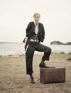 Nygards Anna. Nomad on the beach.