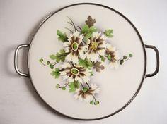http://de.dawanda.com/product/76371987-alte-Tortenplatte-Art-Deco-shabby-vintage