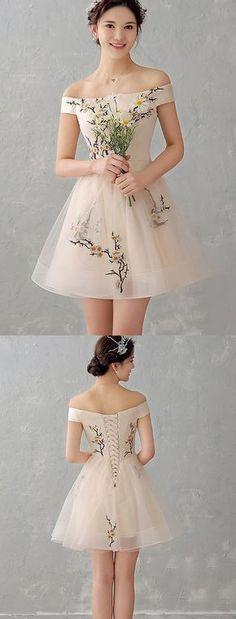 Merveilleuse Petite Party-Robe avec dentelle élégant-Inserts