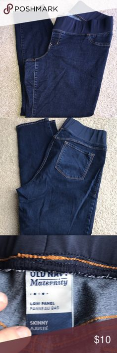 """Old Navy Skinny Maternity Jean Like new Old Navy low panel maternity skinny Jean. Size 16. Flawless. Inseam 29"""". Lots of stretch! I can usually ship same/next day! Check out my closet for more great items! BUNDLE & SAVE! Make an Offer! Old Navy Jeans Skinny"""