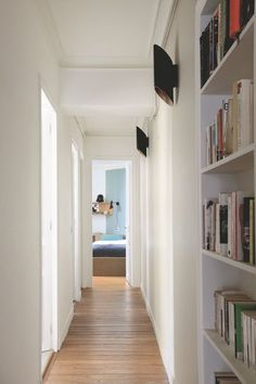 bibliotheque couloir faible profondeur entr e pinterest album. Black Bedroom Furniture Sets. Home Design Ideas