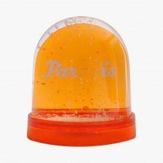 Boule à neige orange - PARADIS #ParisVuAuBonMarche #LeBonMarche #VuAuBonMarche #Exposition #Exhibition #Paris #Ville #Mode #Fashion
