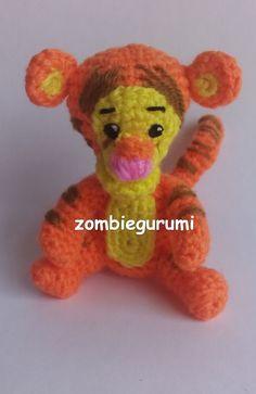 Amigurumi Tiger de Winnie the Pooh - Patrón Gratis en Español Crochet Disney, Diy Crochet, Crochet Toys, Winnie The Pooh Friends, Disney Winnie The Pooh, Crochet Decoration, Knitted Animals, Crochet Videos, Amigurumi Toys