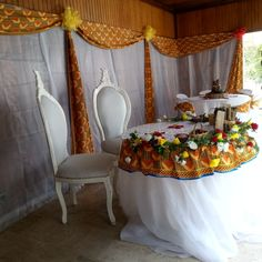 Wedding decoration, married space, weeding, touti creation by Toussaint Kouame - New Site Gatsby Decorations, Wedding Cake Table Decorations, African Wedding Theme, African Theme, Traditional Wedding Decor, Traditional Cakes, Africa Theme Party, African Fashion Dresses, African Dress