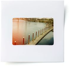 I love the polaroids on this site. Such a cool idea, and it's done very well.