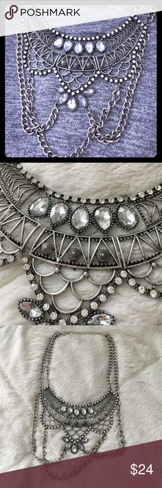 Boutique statement necklace - silver tone Like new necklace. Bought from a local boutique and wore one time for a party. Have too much jewelry, and I need to let it go! Jewelry Necklaces