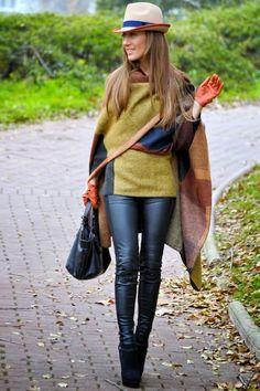 LOLA MANSÍL Fashion Diary: PONCHO