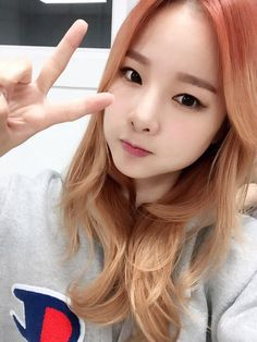 #Solji Heo #허솔지      love the hair color