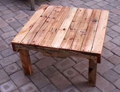 This is it... this is the coffee table I want! Upcycled Pallet Wood Coffee Table.
