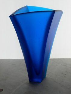 Ann Robinson 'Blue Curved Vase' (cast blue Gaffer glass)
