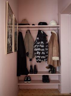 All pink entryway Hallway Inspiration, Interior Inspiration, Hallway Storage, Storage Spaces, Interior Design Living Room, Hall Interior, Entryway, Sweet Home, Modern