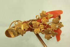 LOVELY VICTORIAN CORAL & GOLD STICK PIN