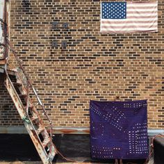 Artist Heidi Parkes with her quilt 'Night Flight no. 2' in Milwaukee, WI. #quilt #handquilted