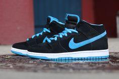 quality design aeeef 65e80 Nike SB Dunk Mid Black Orion Blue