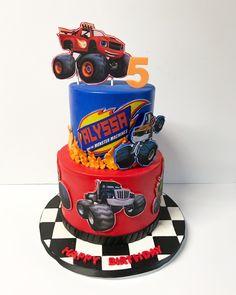Blaze and the Monster Machines Party Torta Blaze, Bolo Blaze, Blaze Cakes, Blaze Birthday Cake, 4th Birthday Cakes, Blaze And The Monster Machines Cake, Threenager, Monster Truck Birthday, Superhero Cake