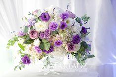 Salons, Floral Wreath, Restaurant, Wreaths, Home Decor, Lounges, Decoration Home, Room Decor, Restaurants