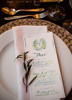 This hand drawing menu is so pretty!