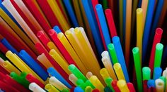 Dallas Fort Worth Waves Goodbye To Plastic Straws - Simple Flying Plastic Items, Use Of Plastic, Plastic Waste, Envelopes, Metal Straws, Glass Water Bottle, Bacardi, Plastic Material, Paper Straws
