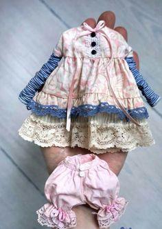 Красиво жить не запретить... особенно куколкам.. Вот еще одна подборка кукольного гардеробчика)…