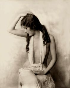 Gloria Swanson 1919 American silent film star, would go on to play Norma Desmond in Sunset Boulevard