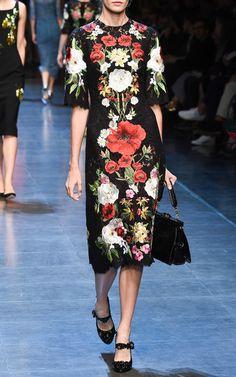 Dolce & Gabbana Spring Summer 2016 Look 22 on Moda Operandi