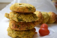 Easy Meals, Easy Recipes, Salmon Burgers, Muffin, Snacks, Vegan, Breakfast, Ethnic Recipes, Hands