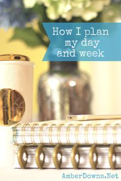 How I plan my day using my home and work planners.  Two planner system using A daily and weekly planner.  Blogger uses a Happy Planer and a Day Designer.  (Emily ley simplified planner, Erin Condren, Carpe Diem planner, Heidi Swapp and others are good too.)