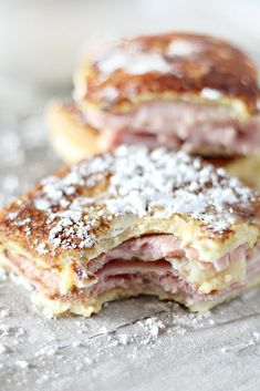 monte cristo sandwich A yummy brunch finger food- these sliders are made Monte Cristo style, featuring thick slices of carving board ham & tangy gruyere cheese, a sifted powder su Breakfast Slider, Breakfast Bake, Breakfast Casserole, Breakfast Ideas, Breakfast Recipes, Brunch Finger Foods, Brunch Foods, Monte Cristo Sandwich, Monte Cristo Recipe