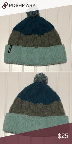 472f626eeca Women s Patagonia Color Stripe Beanie Excellent condition. No stains or  defects. Has a fleece