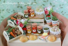 Miniature country accessories, decorations and food in one inch scale (1:12) http://minifanaberia.blogspot.com/2014/04/troche-wiejsko.html