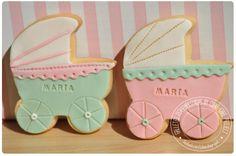 Galletas de carrito de bebé / Baby carriage cookie http://cukiecake.wordpress.com/2013/10/15/galletas-bebes-recien-nacidos/