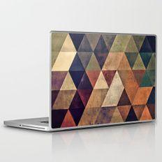 fyssyt pyllyr Laptop & iPad Skin by spires