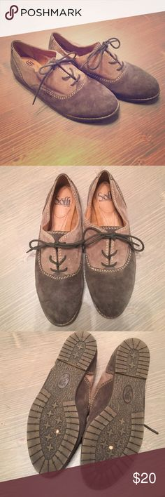 Söfft Alexandra Oxfords Two-toned suede oxford with leather insole. Worn only once. Sofft Shoes Flats & Loafers