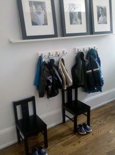 Look! An Entryway For The Kids 2019 I like the idea of the multiple hooks for each kid and the chairs for them to get ready with. The post Look! An Entryway For The Kids 2019 appeared first on Entryway Diy. Kids Coat Hooks, Narrow Shelves, Family Apartment, Entryway Organization, Entryway Storage, Small Entryways, Entry Hall, Hallway Decorating, Getting Organized