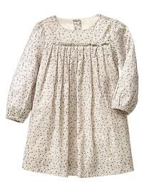 Baby dresses & rompers from Gap are cute and comfortable for your active baby girl. Shop a variety of colors and prints to find the perfect baby girl dress. Stylish Dresses For Girls, Frocks For Girls, Little Girl Dresses, Girls Dresses, Baby Frocks Designs, Kids Frocks Design, Moda Kids, Baby Girl Dress Patterns, Baby Girl Fashion
