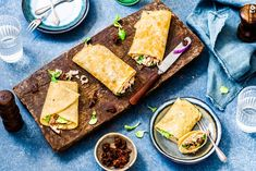 Eiwraps met tonijn - Chickslovefood I Love Food, A Food, Good Food, Food And Drink, Yummy Food, Veggie Snacks, Healthy Snacks, Healthy Recipes, Low Carb Lunch