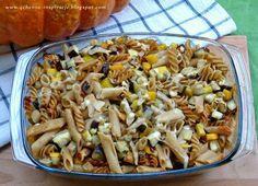 Wegetariańska zapiekanka z dynią, bakłażanem i mozzarellą.