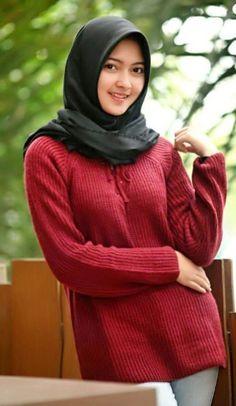 M's media content and analytics Modern Hijab Fashion, Muslim Fashion, Colorful Fashion, Cute Fashion, Fashion Outfits, Women's Fashion, Hijabi Girl, Girl Hijab, Muslim Girls