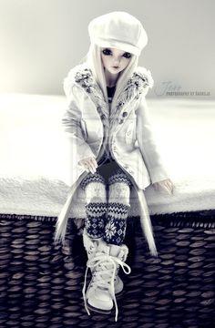 The beautiful Jess by Andreja    original: http://andreja.deviantart.com/art/Jess-winter-fashion-198372502