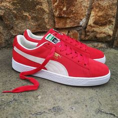 Puma Suede, Puma Wallpaper, Pumas Shoes, Shoes Sneakers, Stefan Janoski, Hypebeast, Sneaker Boots, Shoe Closet, New Shoes