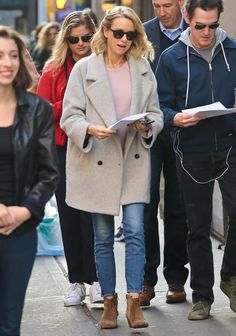 Naomi Watts and Billy Crudup are seen on the set of 'Gypsy' on November 2, 2016.