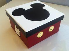 Caixa organizadora Mickey. Em madeira.