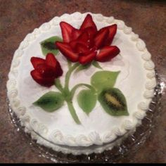 Latest No Cost fruit cake fondant Suggestions - yummy cake recipes Food Cakes, Cupcake Cakes, Cake Fondant, Fruit Cupcakes, Cupcake Ideas, Strawberry Cake Decorations, Fruit Decorations, Cake Decorating Tips, Cookie Decorating