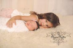 pretty sibling photo - Monica Martin photography