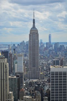 New York Winter, Nyc, City Aesthetic, City Life, Empire State Building, My Dream, Places To Visit, Urban, Explore