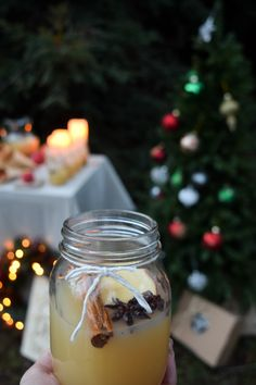 Enjoy hot apple cider and fresh doughnuts to end the night of your Christmas in July celebrations! Apple cider drink station.
